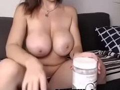 gorgeous mummy out of reach of camshow - MILFiliciouscams.com