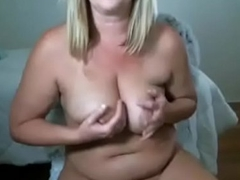 Chubby amateur mummy tugjob coupled with spunk creampie