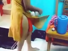 indian skirt dethronement be off show of her tweak with hindi audio