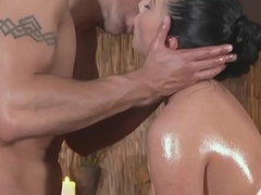 Oiledup pulchritude pounded by her massagist